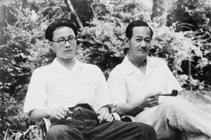 Сайто Санки (справа) с сыном